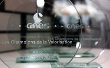 [VIDÉO] Salon du Bourget 2017 : Visite du pavillon du CNES