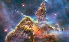 Hubble : jets d'étoiles dans la nébuleuse de la Carène